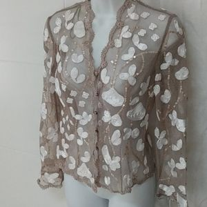 JS Boutique Lace Net Floral button top Sz 4